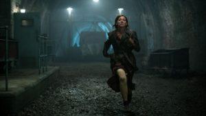 Da chi o cosa fugge la ragazza? Andate a vedere Overlord!