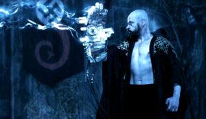 """Rasputin in una scena del film """"Hellboy"""", tratto dall'omonimo fumetto"""