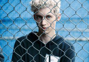 La giovane star Troye Sivan ha anche scritto e interpretato la canzone originale Revelation per la colonna sonora di Boy Erased