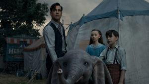 Holt Farrer e figli si affezionano subito a Dumbo