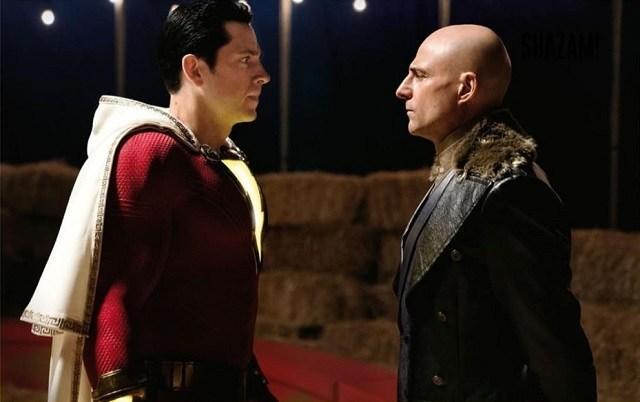 shazam e il suo antagonista in una scena del film