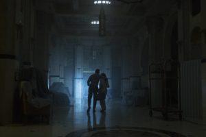 l'atmosfera decadente dell'Hotel Artemis
