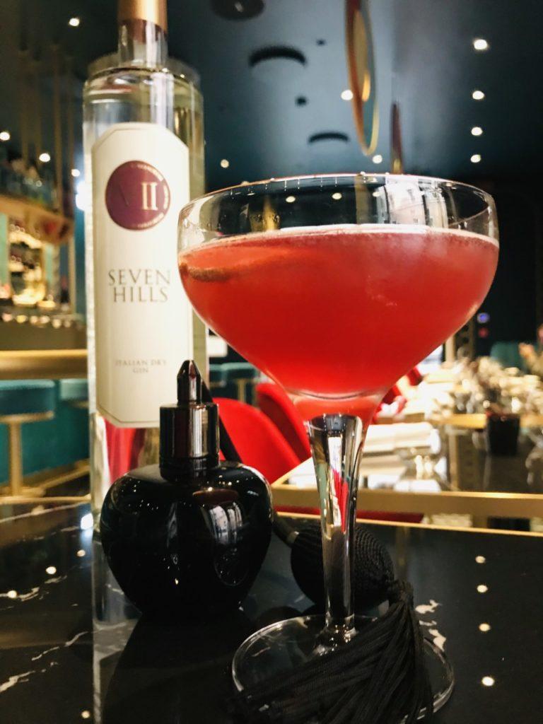 Sor Marché il cocktail a tema cinema anni '80 ispirato al film Marchese del Grillo.