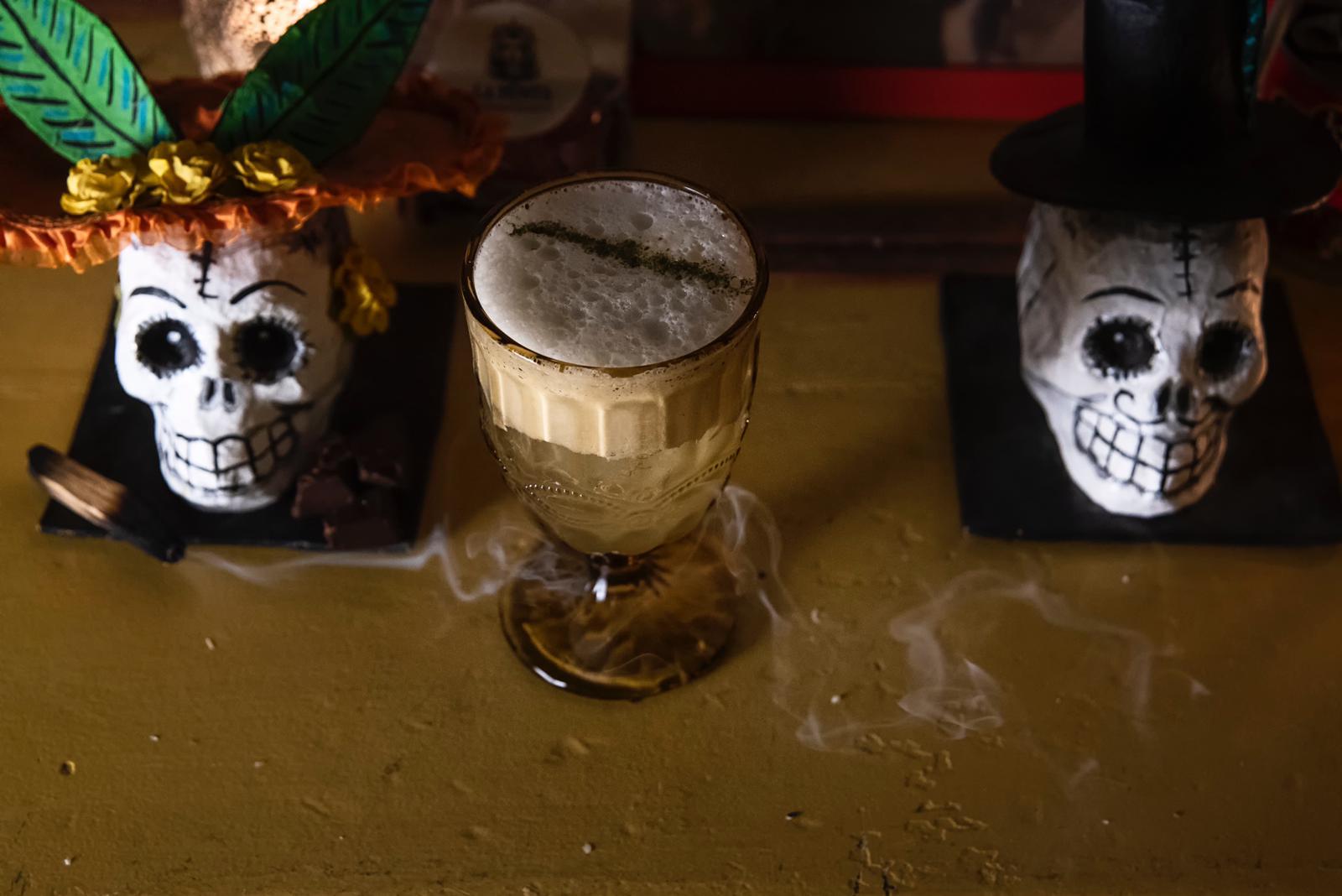 foto del drink a tema halloween los dia des muertos
