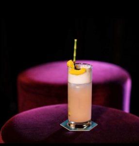 foto di trader's fizz il drink ispirato ai film anni '80 per scarface