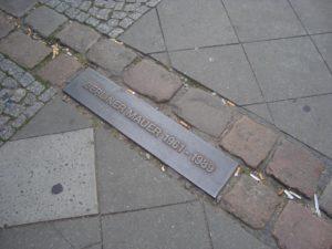 Linea del muro di Berlino