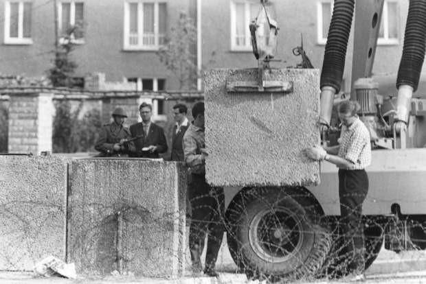 13 agosto 1961: la costruzione del Muro; foto: Presse- und Informationsamt der Bundesregierung