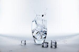 Questa non è di certo acqua che bolle, anzi: è un bel bicchiere di acqua ghiacciata