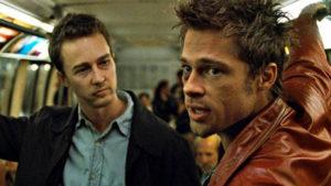 Edward Norton e il coaching di Brad Pitt in una scena di Fight Club