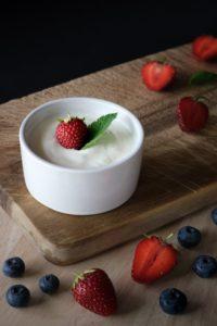 I batteri lattici, mediante fermentazione lattica, trasformano il lattosio del latte in acido lattico
