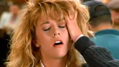 Una scena di Harry ti presento Sally: fare sesso fa bene, specialmente se si arriva all'orgasmo perfettamente interpretato da Meg Ryan