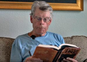 """Stephen King legge """"Se scorre il sangue"""""""