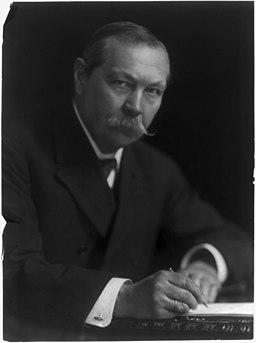 Arthur Conan Doyle e misticismo, una foto del papà di Sherlock Homes