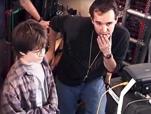 Sul set di Harry Potter con il regista del primo e del secondo film, Chris Columbus, e il protagonista Daniel Radcliffe