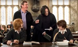 Mike Newell con Alan Rickman, Rupert Grint e Daniel Radcliffe