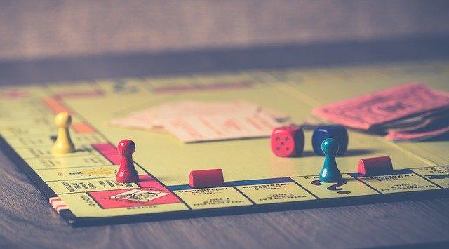 Perché i bambini dovrebbero giocare ai giochi di società