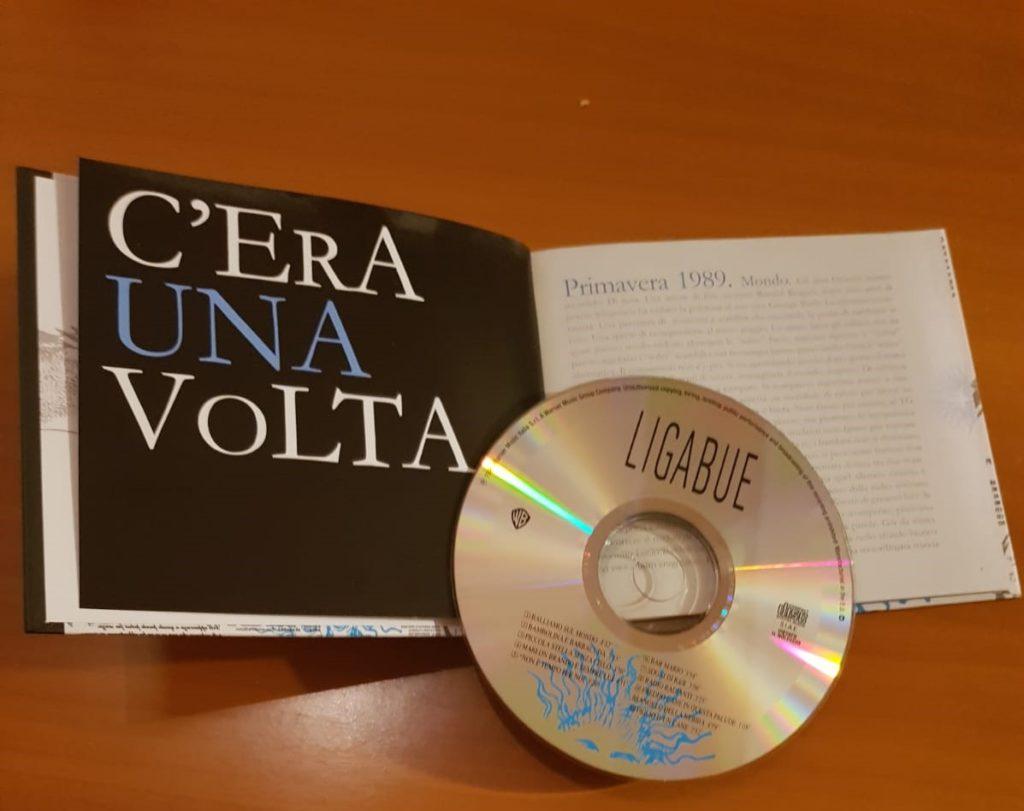 Ligabue è il promo al di Luciano Ligabue. Si apre con la canzone Balliamo sul mondo. Il libretto continene racconti e molte curiosità sullesordio di Lucia
