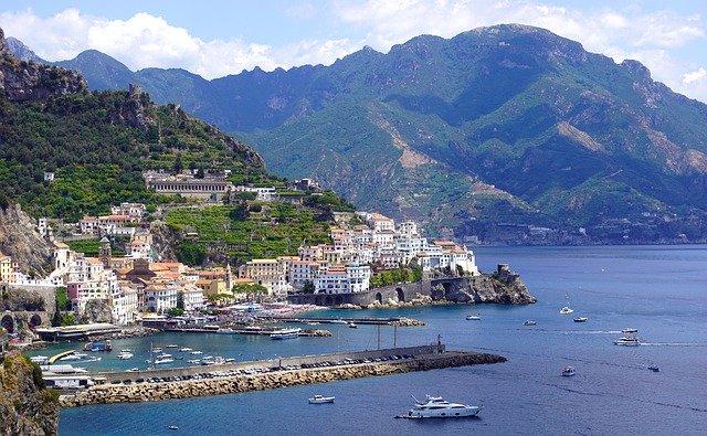 Escursionismo – Riscoprire l'Italia a piedi – Dalla costa Amalfitana alle Alpi