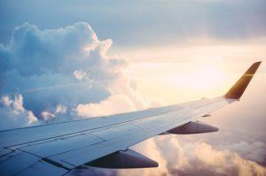 """Mongolfiere, dirigibili e voli """"verso il nulla"""" – Come cambia il turismo in tempo di Covid"""