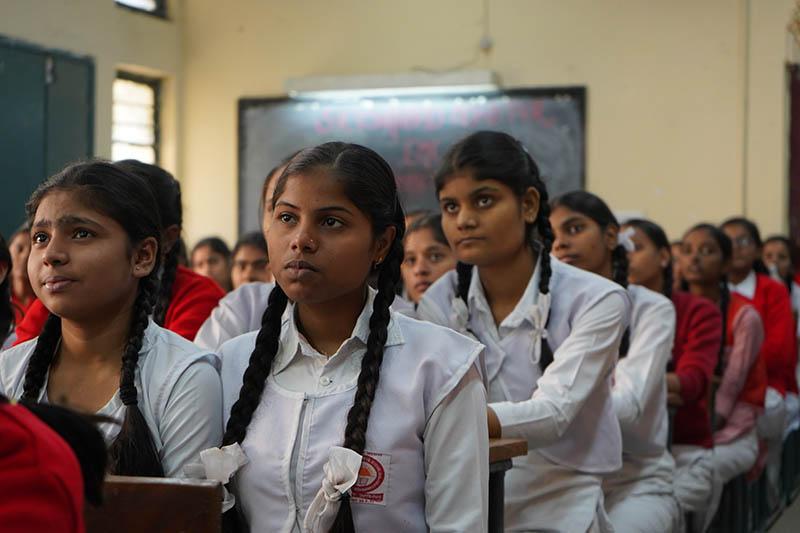 Una classe di ragazze